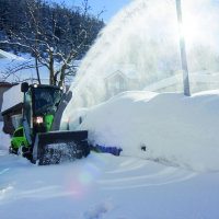 City_Ranger_2250_Action_Snow_blower_6_Offset